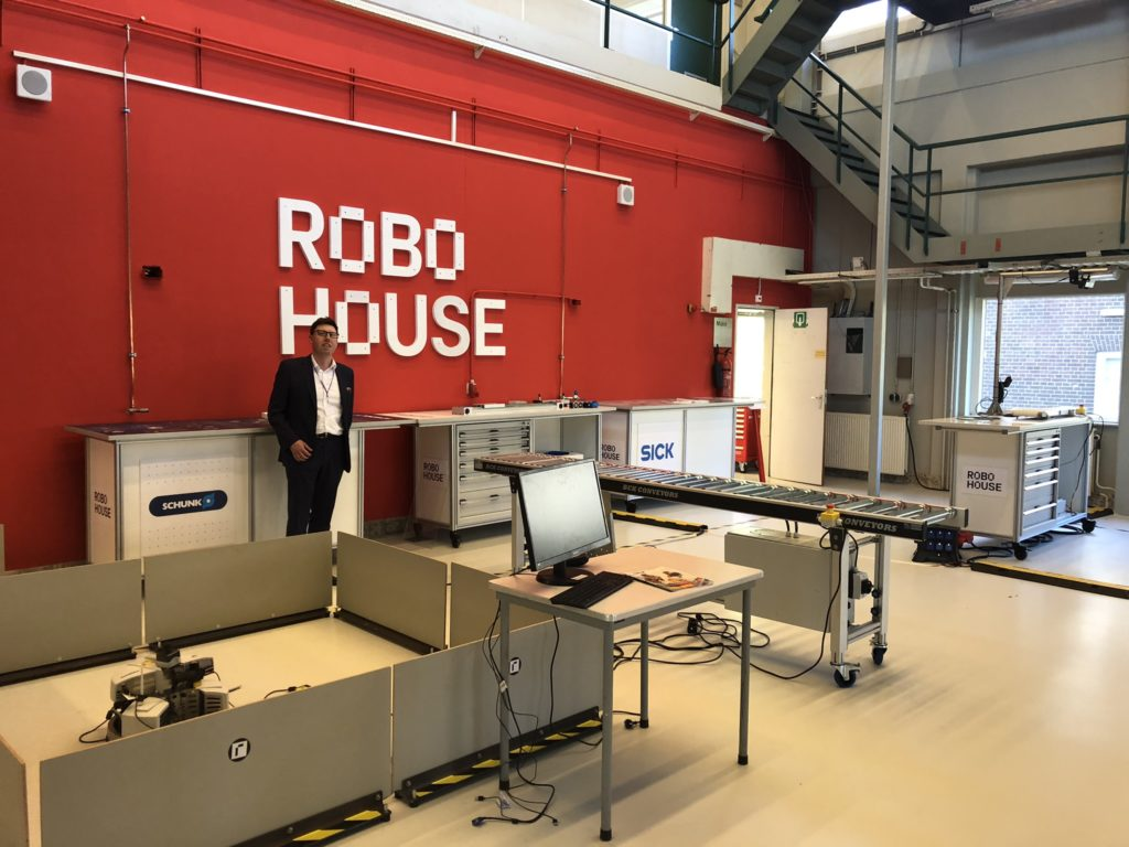 United Robots in Robo House